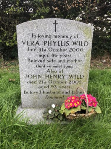 John Henry and Vera Wild - gravestone image