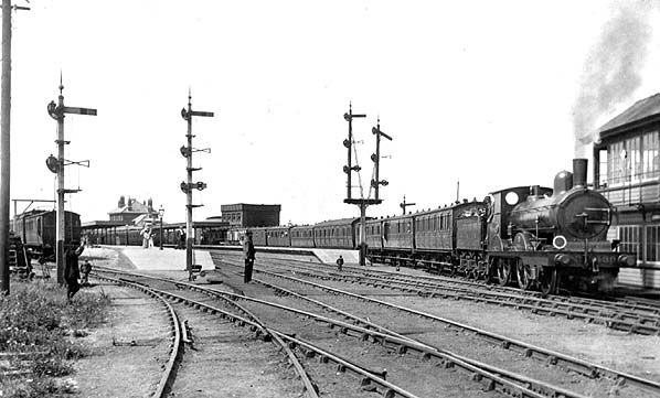 Cromer High - 1908, now with 2nd platform